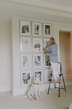 Below are the Living Room Wall Gallery Design Ideas. This post about Living Room Wall Gallery Design Ideas was posted under the Living Room category by our team at June 2019 at am. Hope you enjoy it and . Home Design, Flur Design, Design Design, Design Ideas, Bedroom Wall, Bedroom Decor, Wall Decor, Bedroom Ideas, Wall Art
