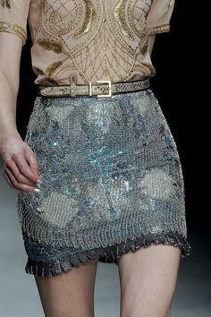 I am a lover of the arts & literature, a procrastinator who tends to have very feministic views about everything. i appreciate couture. Fashion Details, Love Fashion, High Fashion, Fashion Show, Fashion Design, Couture Details, Fashion Outfits, Couture Fashion, Runway Fashion