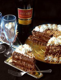 La torta che vi presento oggi è davvero tra le mie preferite in assoluto e non solo da me infatti questa è la torta che ho reali...