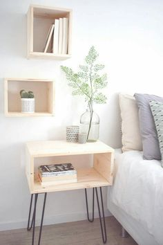 Steps To Create The Perfect DIY Nightstand Ideas For Your Bedroom furniture small spaces Unique Bedside Tables, Wooden Bedside Table, Bedside Table Ideas Diy, Diy Table, Diy Furniture Table, Bedroom Furniture, Home Furniture, Simple Furniture, Home Bedroom