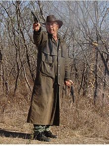 Duster (clothing) - Wikipedia, the free encyclopedia