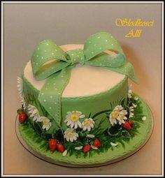 Cake with wild strawberries