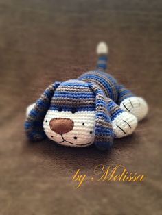 Sweet dog handmade by Ülkü. Free pattern - site is in Russian but Google will translate it