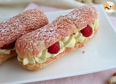 Éclairs with pistachio cream and raspberries- Pasta Choux, Pistachio Cream, Vol Au Vent, No Cook Desserts, Pastry Cake, Diy Food, Hot Dog Buns, Food Hacks, Raspberry