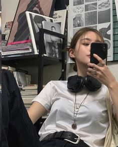 cute girl ulzzang 얼짱 hot fit pretty kawaii adorable beautiful korean japanese asian soft grunge aesthetic 女 女の子 g e o r g i a n a : 人 Mode Ulzzang, Ulzzang Korean Girl, Ulzzang Style, Korean Aesthetic, Aesthetic Girl, Beige Aesthetic, Bora Lim, Korean Beauty Girls, Chica Cool