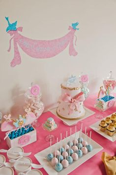 Cinderella themed party for a little girl Princess Party Cupcakes, Disney Princess Birthday Party, Princess Party Decorations, Cinderella Birthday, 3rd Birthday Parties, Birthday Fun, Cinderella Princess, Cinderella Disney, Birthday Ideas