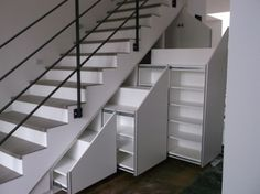 Шкаф 121 под лестницу