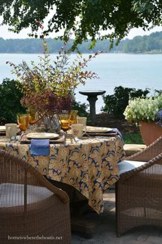 Lakeside Dining and Pfaltzgraff Village Dinnerware | homeiswheretheboatis.net #tablescape