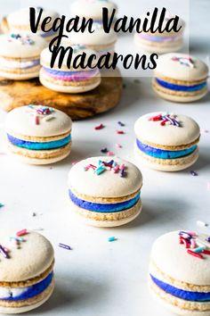 Vegan Vanilla Macarons with Sprinkles, and multi-color vegan buttercream filling. These macarons are perfect for birthdays! Including a video on how to make them. Best Vegan Desserts, Vegan Dessert Recipes, Vegan Treats, Vegan Foods, Baking Recipes, Vegan Macaroons Recipe, Macaroon Recipes, Macaroons Flavors, Vegan Buttercream