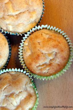 Apple cinnamon Chobani muffins www.simplefoodhealthylife.com