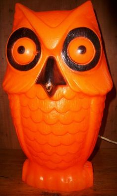 VINTAGE HALLOWEEN BLOW MOLD LIGHT UP ORANGE OWL