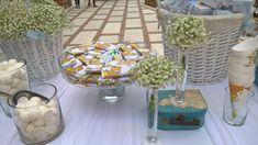 Όμορφη βάπτιση με θέμα το αερόστατο για το μικρό Κυριάκο • ogamosmas.gr Balloons, Table Decorations, Home Decor, Globes, Decoration Home, Balloon, Interior Design, Home Interior Design, Home Improvement