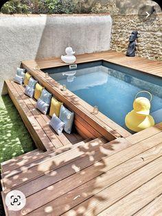 Backyard Pool Designs, Small Pools, Swimming Pools Backyard, Small Backyard Landscaping, Backyard Projects, Backyard Patio, Piscina Diy, Kleiner Pool Design, Small Pool Design