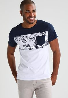 Pier One Print T-shirt - navy/white for £18.99 (05/02/18) with free delivery at Zalando