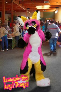 Kinda don't like this because of how it's basically lemonade coyote but as a Dutch angel dragon...