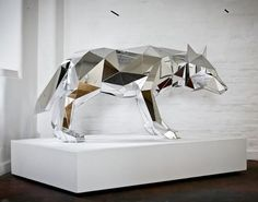 Wolf #sculpture by Arran Gregory #art #contemporaryart pic.twitter.com/s6mSEqZmWh