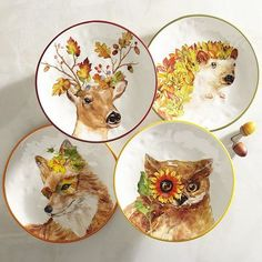 A fantastical celebration of fall's flora and fauna, our critter-inspired salad plates add a wonderful woodland inspiration to your table settings. Coordinate with dinnerware in a solid color to make the plates pop atop your table.