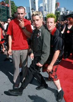 Green Day's Mike Dirnt, Tré Cool and Billie Joe Armstrong arriving at the 1998 MTV Video Music Awards.