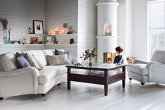 Oxford Delux chair and curved sofa SEK 7800 and 17000 Living Room Sets, Home Living Room, Howard Sofa, Sofa Layout, Living Room Arrangements, Curved Sofa, Interior Design Living Room, Home Furniture, Birmingham
