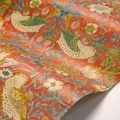 Strawberry Thief od Morrise - Crimson - Tapeta: Tapeta Direct Morris Wallpapers, Colour Match, William Morris, Room Themes, Wall Wallpaper, True Colors, Strawberries, Icon Design, Fabric Design