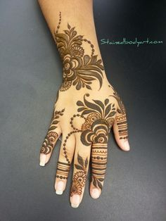 Stained - henna artist in Tampa Florida for bridal mehndi , henna tattoo , and henna design ebooks for the henna community. Modern Henna Designs, Khafif Mehndi Design, Floral Henna Designs, Latest Arabic Mehndi Designs, Finger Henna Designs, Henna Art Designs, Mehndi Designs For Girls, Dulhan Mehndi Designs, Mehndi Design Photos