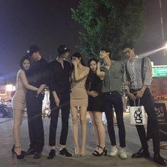 Guy on the right, feel sorry:( ulzzang Korean Boys Ulzzang, Cute Korean Girl, Ulzzang Couple, Ulzzang Girl, Asian Girl, Korean Best Friends, Moda Pop, Boy Squad, Korean Couple