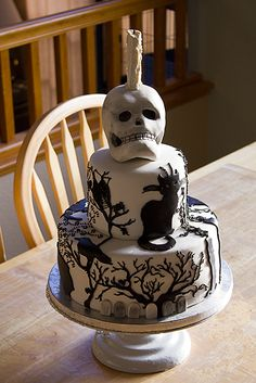Crazy Beautiful Cakes | Cake Gallery | Halloween Cake