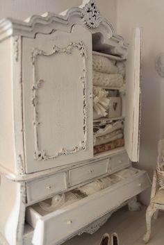 Via la casa di lu....This is all in miniature!