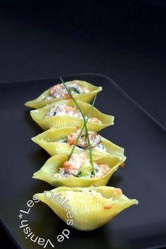 Conchiglionis farcies saumon fumé, courgette et ricotta
