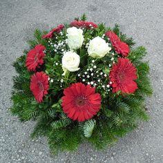 Creative Flower Arrangements, Church Flower Arrangements, Christmas Arrangements, Christmas Centerpieces, Floral Arrangements, Christmas Decorations, Flower Background Images, Flower Backgrounds, Table Flowers