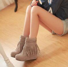 Fringed Winter Round Toe Wedge Heel Beige Boots