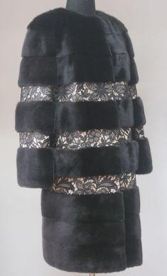 Fur Fashion, Fashion Wear, Fashion Pants, Autumn Fashion, Womens Fashion, Fur Jacket, Fur Coat, Fur Accessories, Mode Jeans