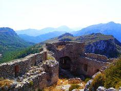 Excursiones en Mallorca: Castell del Rei  Ubicado en el término de Pollença, 'Castell de Rei' es una de las tres fortalezas inexpugnables del medievo mallorquín. La fortificación se ubica en una elevación natural de terreno a 492 metros sobre el nivel del mar.   http://www.inmonova.com/blog/excursiones-en-mallorca-castell-del-rei/