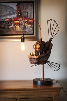 Artist Creates Steampunk Style Anglerfish Lamps Handcrafted From Metal And Wood : Artist Creates Steampunk Style Anglerfish Lamps Handcrafted From Metal And Wood Diy Luminaire, Fish Lamp, Diy Home Decor, Room Decor, Scrap Metal Art, Home And Deco, Recycled Art, Wood And Metal, Decoration