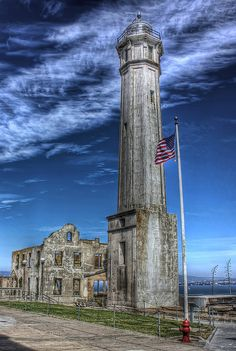 Alcatraz Island Lighthouse the first one built on the U. West Coast – located on Alcatraz Island in California's San Francisco Bay. Lighthouse Pictures, Lighthouse Art, Abandoned Buildings, Abandoned Places, San Francisco, Travel Usa, Alaska, Places To See, Scenery