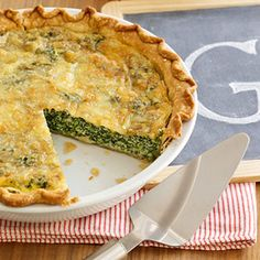 A refrigerated piecrust makes this spinach and Swiss cheese quiche recipe a quick and easy choice for dinner.