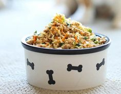 turkey, brown rice, carrots, spinach, zucchini and peas, see more at http://homemaderecipes.com/specialty/pets/10-homemade-dog-food-recipes/