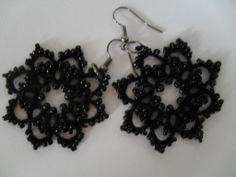 Boucles d'oreille dentelle noire, tatting , dentelle frivolite , Boucles d'oreille crochet : Boucles d'oreille par carmentatting