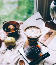 Chemex to coś idealnego na start dla entuzjastów alternatywnych metod parzenia kawy.