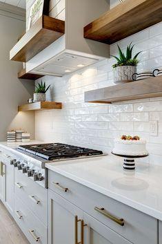 Kitchen Redo, Home Decor Kitchen, Kitchen Interior, New Kitchen, Kitchen Cabinets, Kitchen Ideas, Kitchen Sinks, Awesome Kitchen, Diy Interior