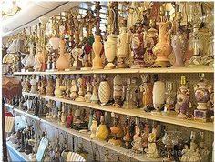 Vintage lamp store in Hampton, Virginia. I am so going!!