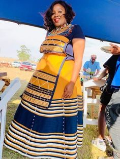 African Traditional Wedding Dress, African Fashion Traditional, Traditional Outfits, African Maxi Dresses, African Dresses For Women, African Clothes, Xhosa Attire, African Print Fashion, Plus Size Outfits