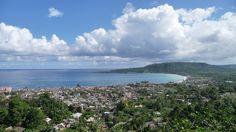 Calas, bahías, coral y varaderos naturales, salpicados con vegetación exhuberante y pequeñas ciudades de sabor colonial. Así es Cuba!!
