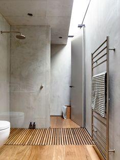 small bathroom trends Unique Tadelakt Bathroom Design Ideas For Awesome Bathroom 37291 Concrete Bathroom, Wooden Bathroom, Bathroom Flooring, Concrete Walls, Bathroom Modern, Industrial Bathroom, Bathroom Faucets, White Bathrooms, Bathroom Storage