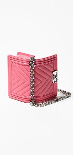 Small boy CHANEL flap bag, calfskin-pink - CHANEL