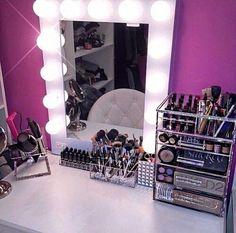 Makeup desk with lights