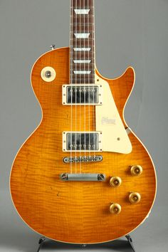 Gibson Custom Shop Historic Collection 1958 Les Paul Standard Hard Rock Maple Heavy Aged 【S/N:8 8861】 Gibson Custom Shop, Les Paul Guitars, Les Paul Standard, Gibson Guitars, Gibson Les Paul, Vintage Guitars, Hard Rock, Rock And Roll, Acoustic Guitars