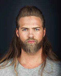barba 2017, cabelo longo masculino, cabelo loiro, homem estiloso, tenente da marinha, moda sem censura, alex cursino, estilo viking,…                                                                                                                                                                                 Mais