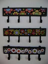 Resultado de imagen para mosaiquismo percheros #artesaniasmexicanasdiy Mosaic Wall Art, Mosaic Glass, Mosaic Tiles, Glass Art, Mosaic Crafts, Mosaic Projects, Candle Cups, Mosaic Madness, Easy Diy Crafts