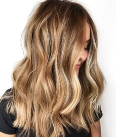 The 30 hottest honey blonde hairstyles ideas 2020 – – Balayage Haare Bronde Balayage, Hair Color Balayage, Hair Highlights, Bronde Haircolor, Blonde Balayage Honey, Dirty Blonde Hair With Highlights, Balyage Long Hair, Carmel Blonde Hair, Beachy Blonde Hair